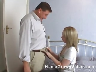 Blonde MILF housewife gives a blowjob while her pantyhose are beat-up