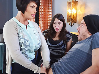 Horny mom make a gift anent her soiled pussy