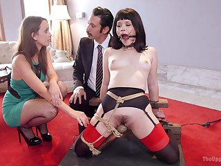 nothing can please amazing Jade Nile as a constant threesome in her room