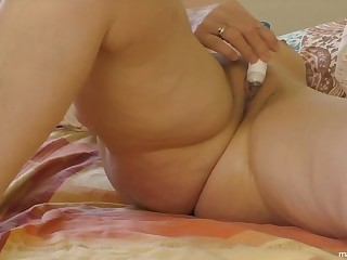 Angela 51 shows a series of orgasms matey